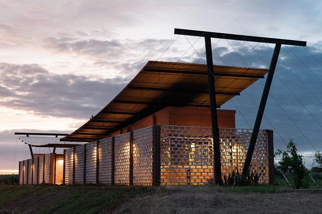 Paraguay: Oficinas Nordeste Curuguaty - Mínimo Común Arquitectura