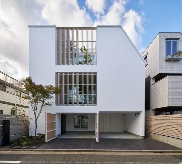 """Japón: """"Casa conectada por un patio"""" - naf architect & design"""