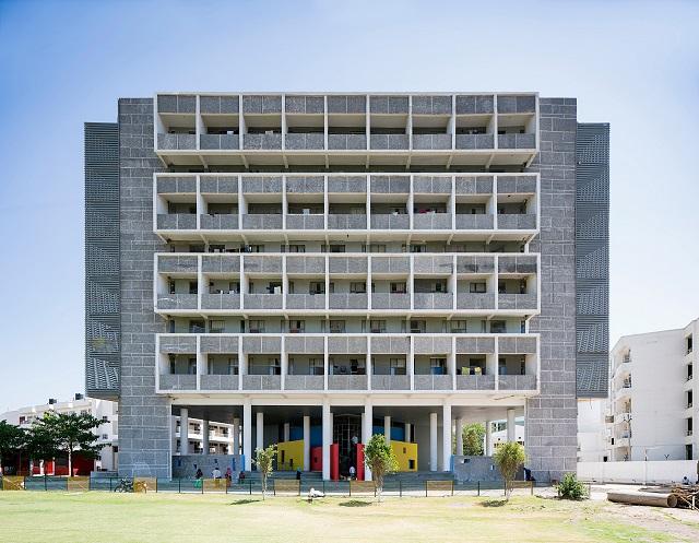 India: Hostel para estudiantes, Chandigarh - Charged Voids