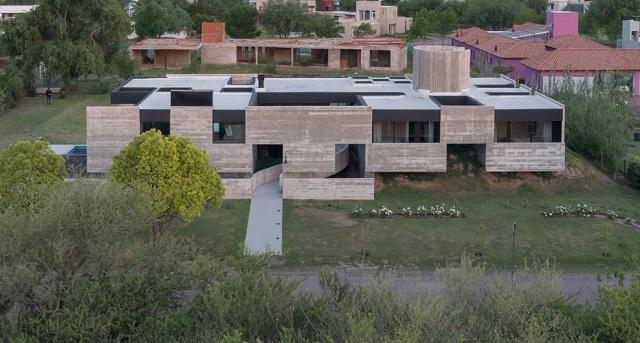 Argentina: Casa Mono - Patio Estudio