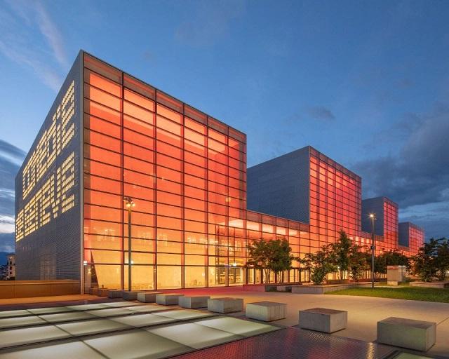 Suiza: Théâtre de la Nouvelle Comédie de Genève - FRES Architectes