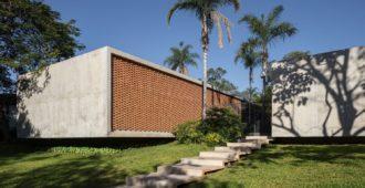 Brasil: Casa Colina - BLOCO Arquitetos